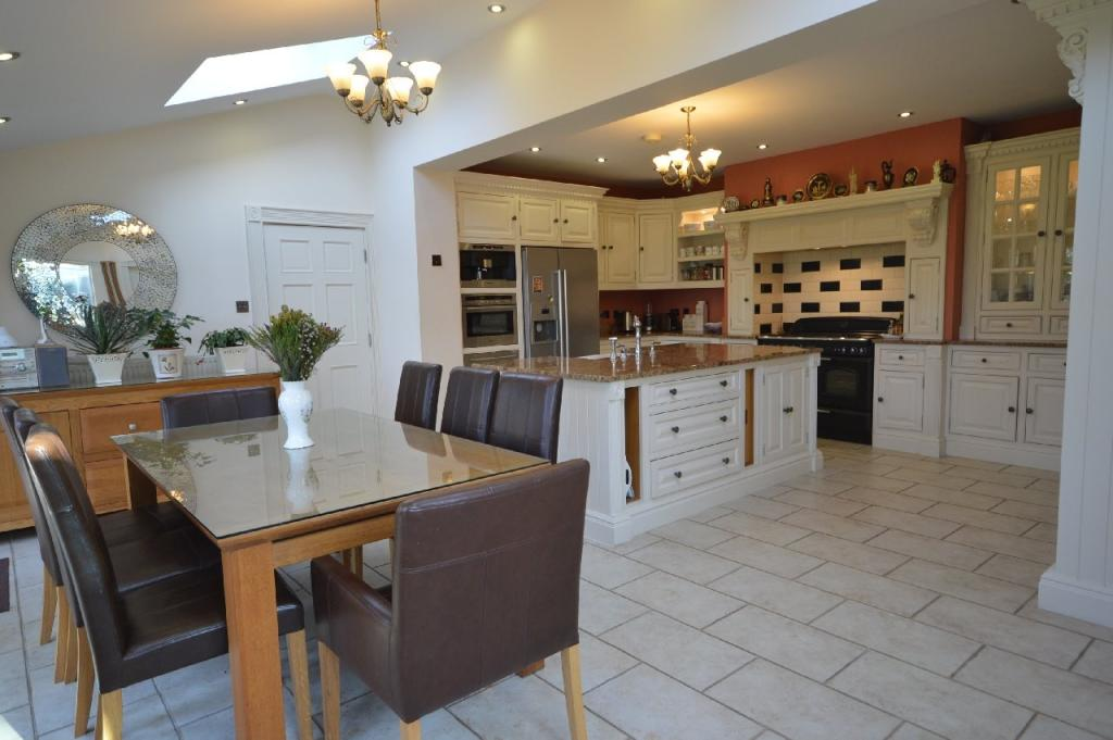 Dining Kitchen (Main