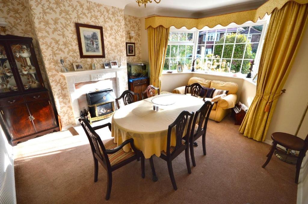 Dining Room (Main)