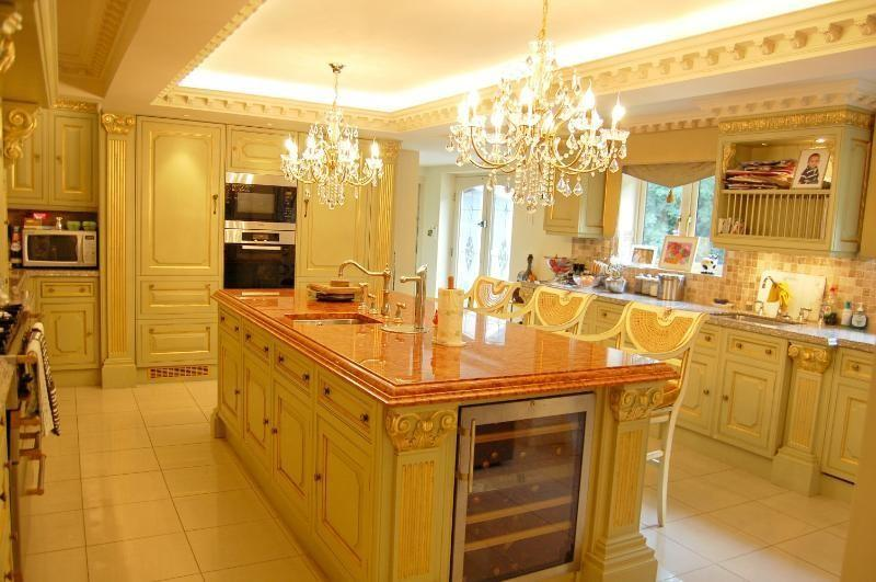 Luxury Breakfast Kitchen By 'Clive Christian'