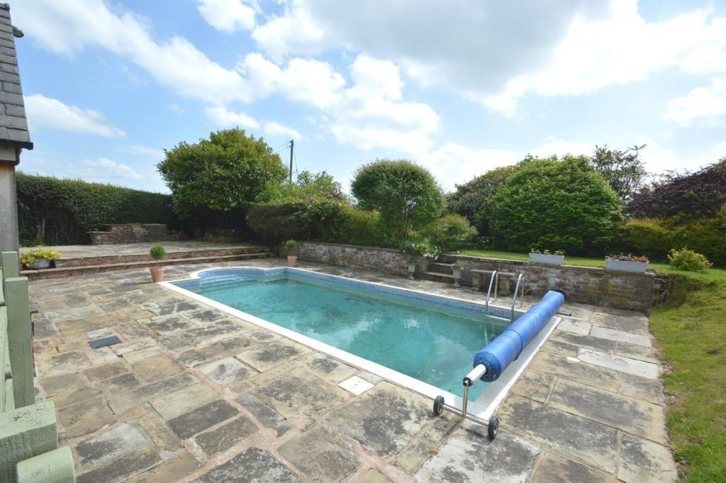 5 Bedroom Cottage For Sale In Pinfold Lane Plumley Wa16