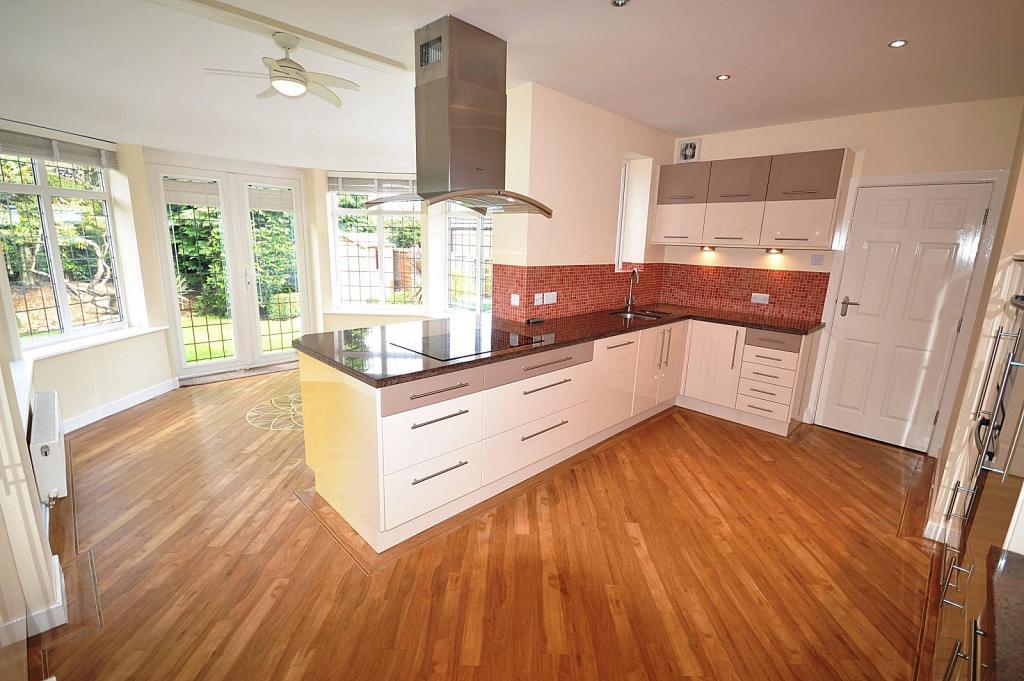 Living Kitchen / Din