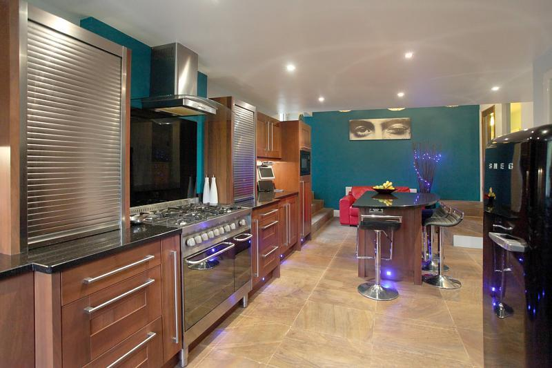 Best Brown Kitchens Turquoise And Brown On Pinterest 400 x 300
