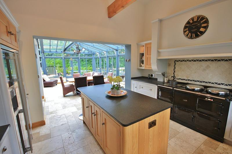 5 bedroom detached house to rent in adlington road for Orangery kitchen