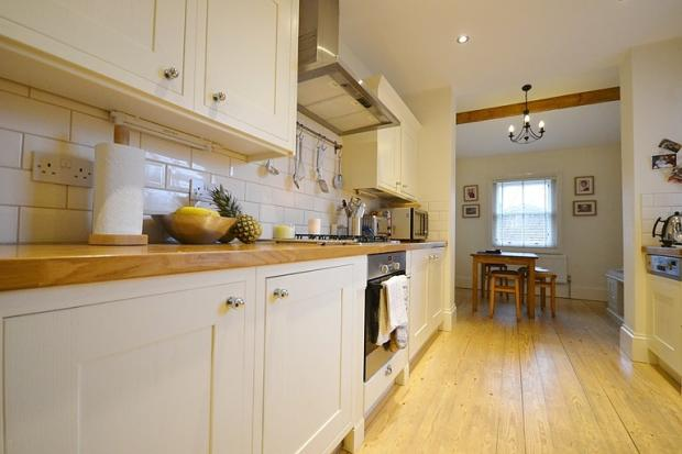 Kitchen (image 2)