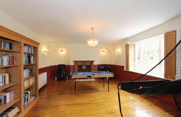 Lounge/playroom