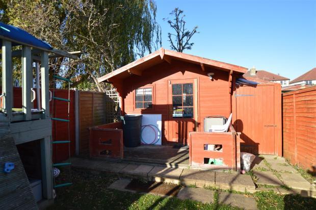 SUMMER HOUSE/CABIN: