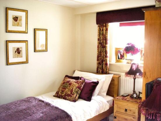 Bedroom - Dais...