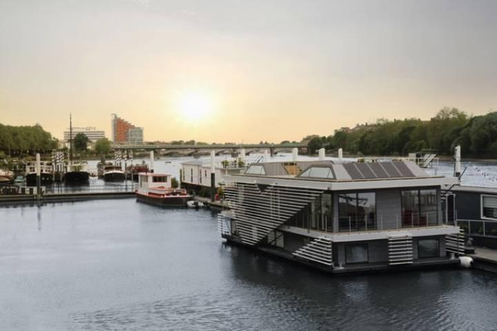 5 Bedroom House Boat For Sale In Riverside Quarter
