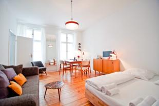 2 bed Apartment in Prenzlauer Allee 220...