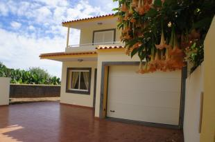 3 bedroom home in Arco Da Calheta, Calheta...