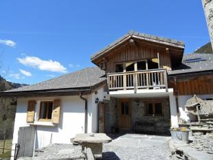 Chalet for sale in Tasteful and stylish...