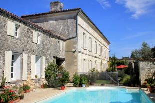 property for sale in Poitou-Charentes, Charente-Maritime, Neuvicq-le-Château
