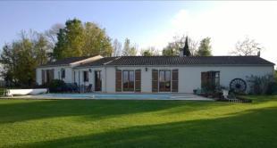 property for sale in Poitou-Charentes, Charente-Maritime, St-Hilaire-de-Villefranche
