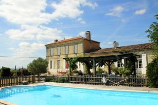 5 bed house for sale in Aquitaine, Gironde, Blaye