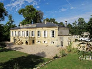 Castle for sale in Aquitaine, Gironde...
