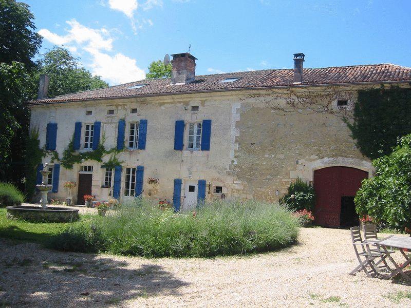 5 bedroom house in Aquitaine, Dordogne...