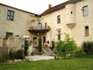 Castle in Midi-Pyrénées, Lot for sale