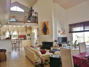 5 bed house in Aquitaine...