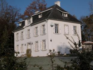 9 bedroom property in Midi-Pyrénées...