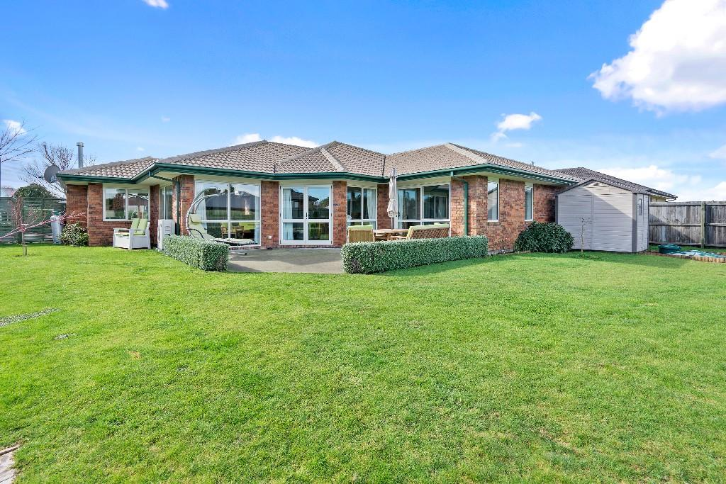 4 bed property for sale in Darfield, Canterbury