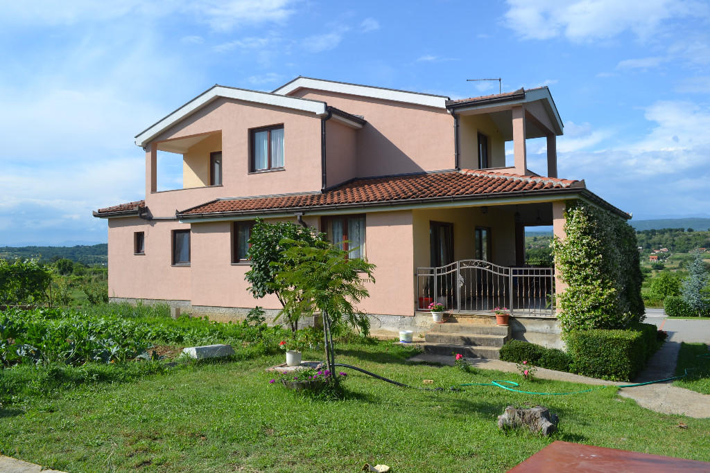 6 bedroom Detached house for sale in Stolac...