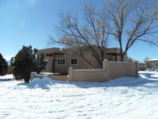 3 bedroom house in New Mexico, Taos County...