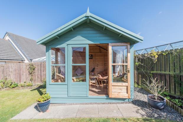 3 bedroom detached house for sale in preston watson street
