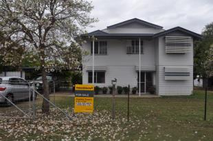 3 bed house for sale in Queensland...