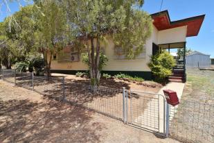 2 bedroom property for sale in Queensland...