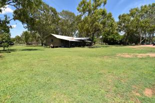 4 bed house in Queensland...