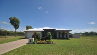4 bedroom property in Queensland, Forrest Beach