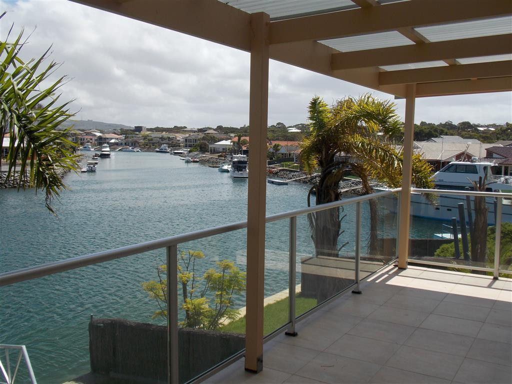 Town House for sale in South Australia...