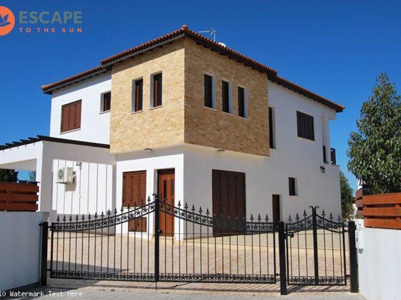 Villa in Spyrou Kyprianou...
