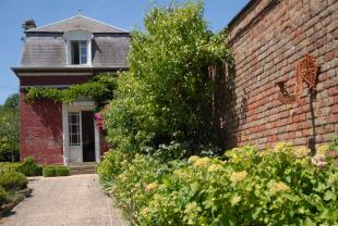 2 bedroom property for sale in Barly, Somme, Picardy