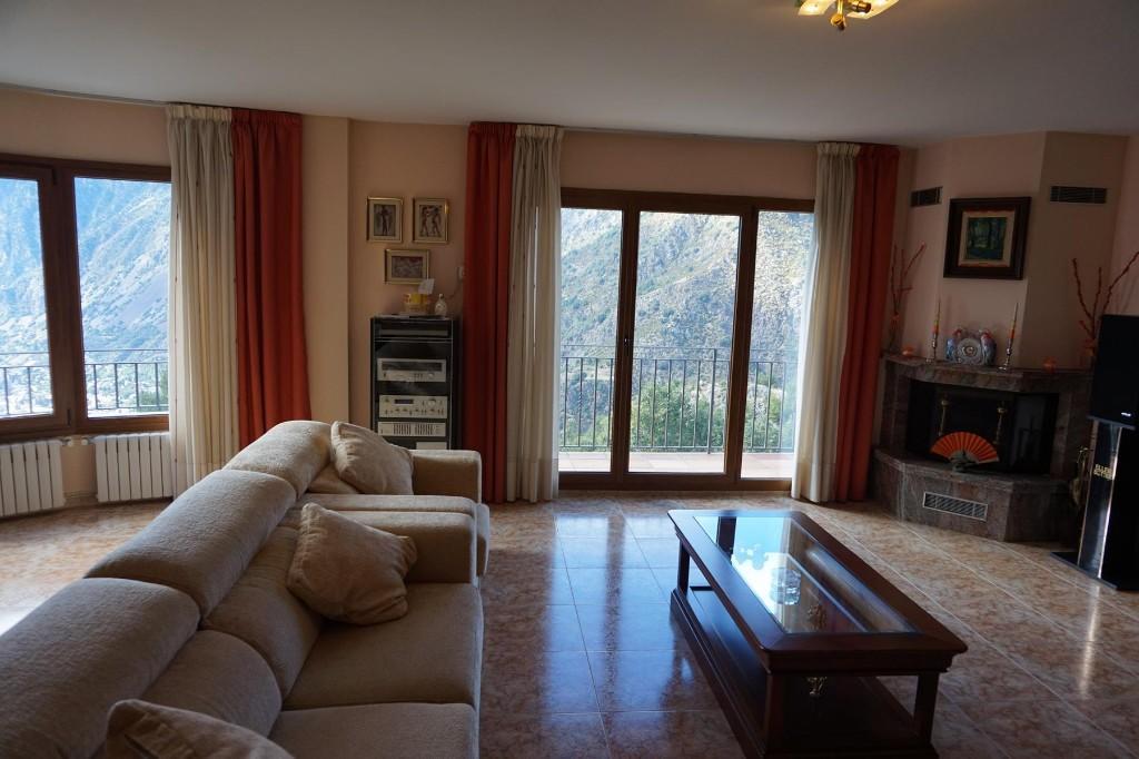 4 bedroom Detached property for sale in Les Escaldes
