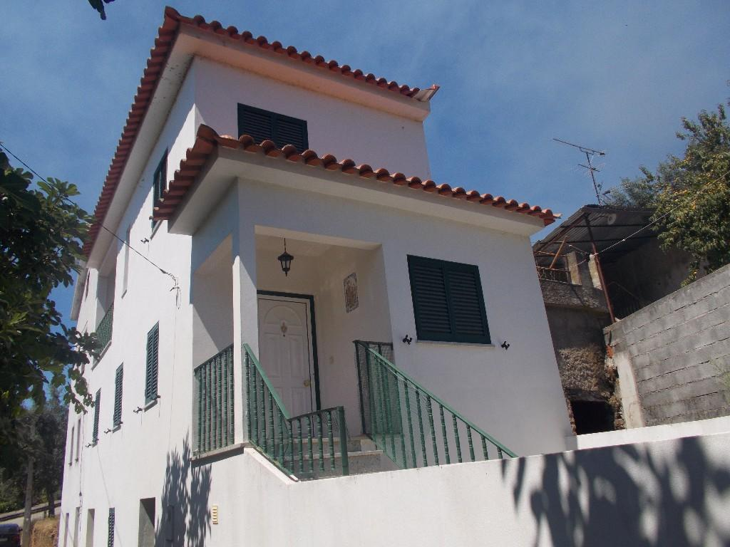 Village House for sale in Coja, Beira Litoral