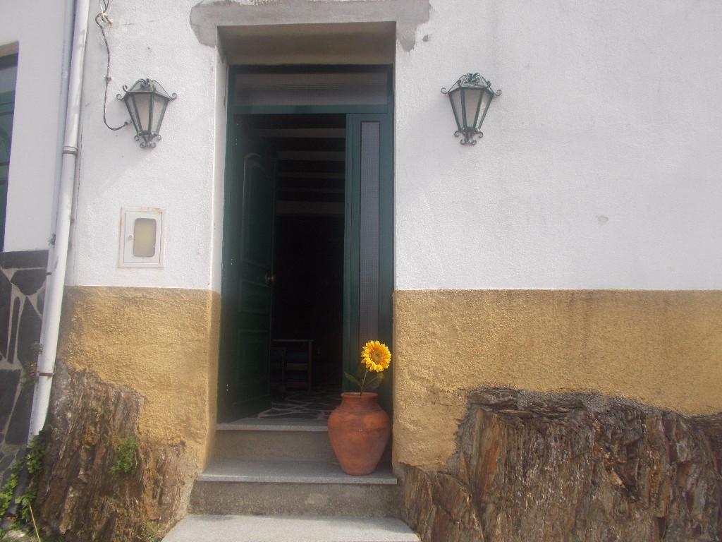 Arganil Village House for sale