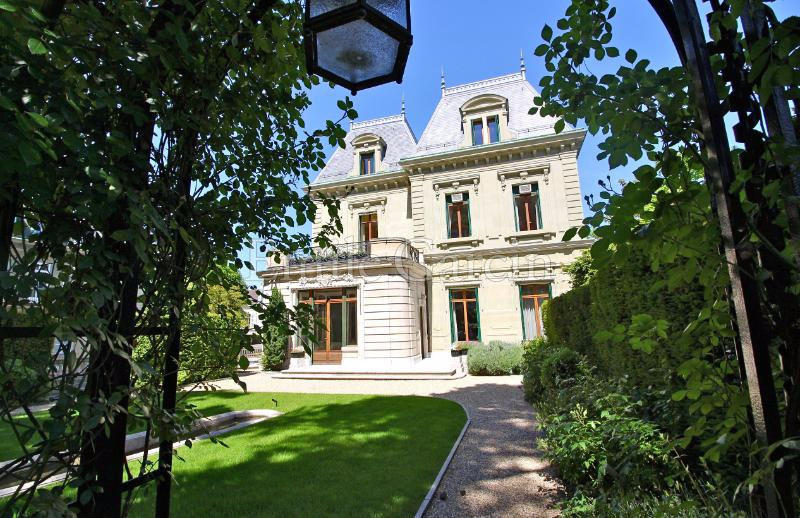 13 bed property for sale in GENEVE,