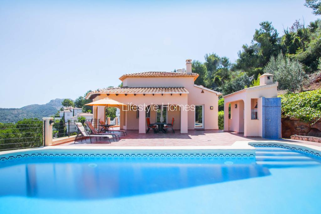 Villa for sale in Pedreguer, Spain