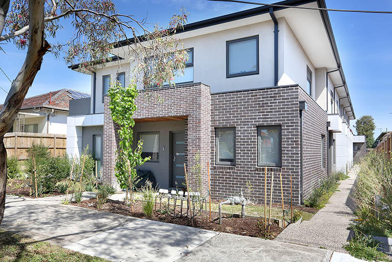 Town House for sale in Victoria, Melbourne...