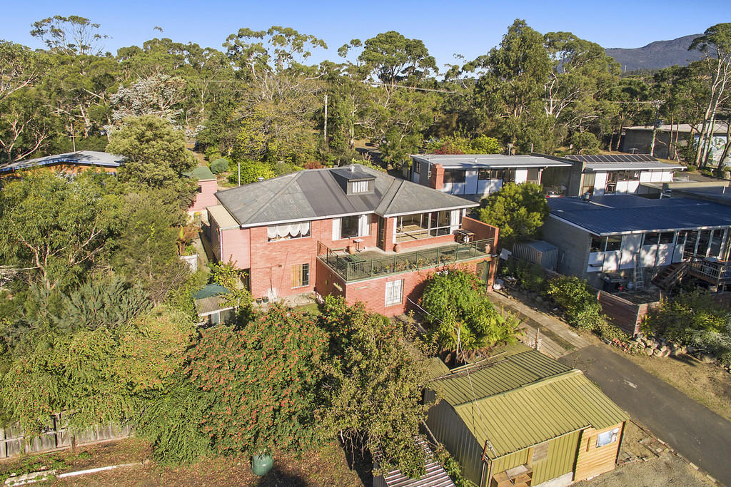 3 bedroom home in Tasmania, Mount Nelson