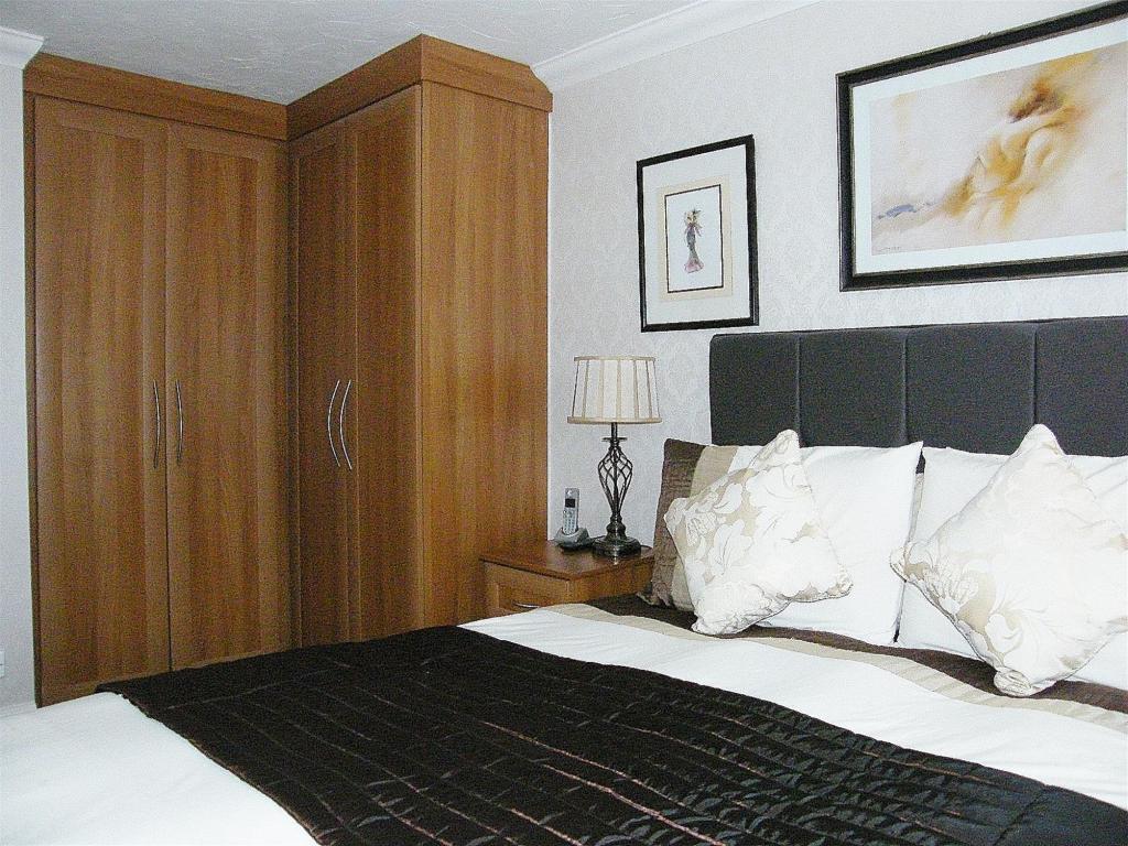 Master Bedroom3