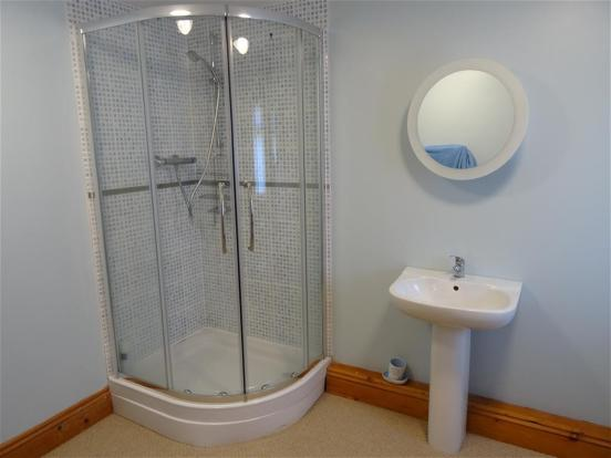 4th Bed Shower Room