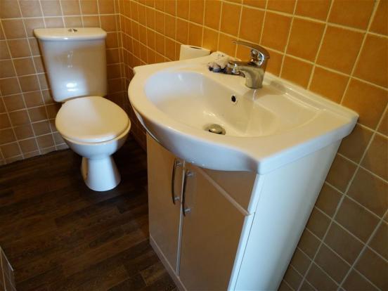 FF Shower Room