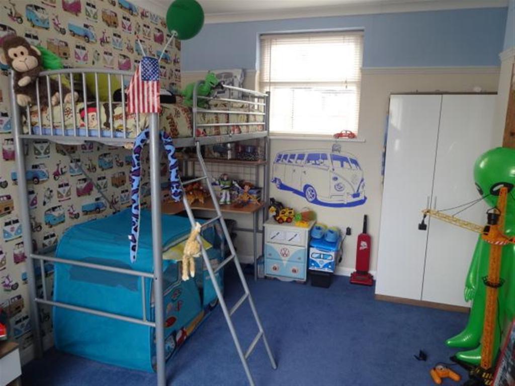 bedroom4 (2)