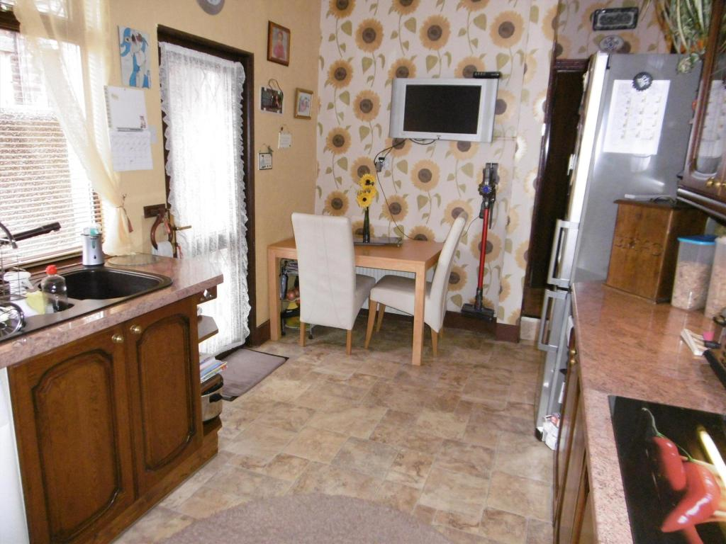 Kitchen Area (2)