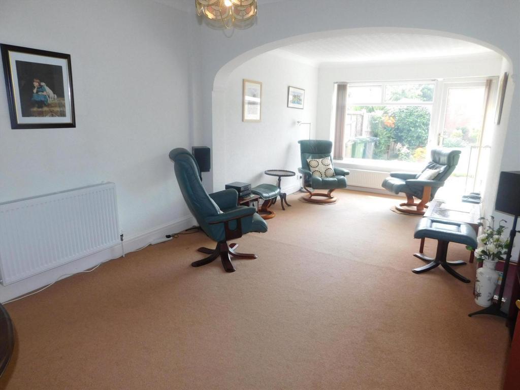 lounge/ rear
