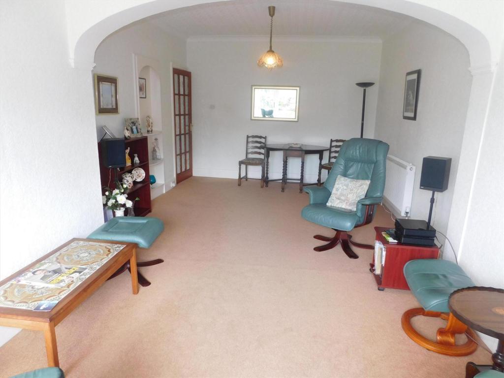 lounge rear