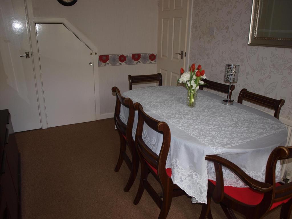 Dining Room Alt