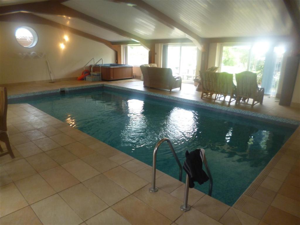 Indoor Pool3